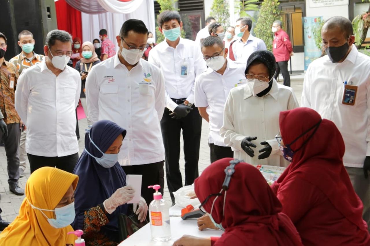 Mensos Hadiri Peluncuran BSB KPM PKH di Surabaya