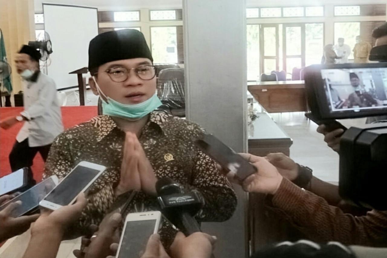 Cek Penyaluran Bansos di Pandeglang, Ketua Komisi VIII DPR Puji Kinerja Anggaran Kemensos
