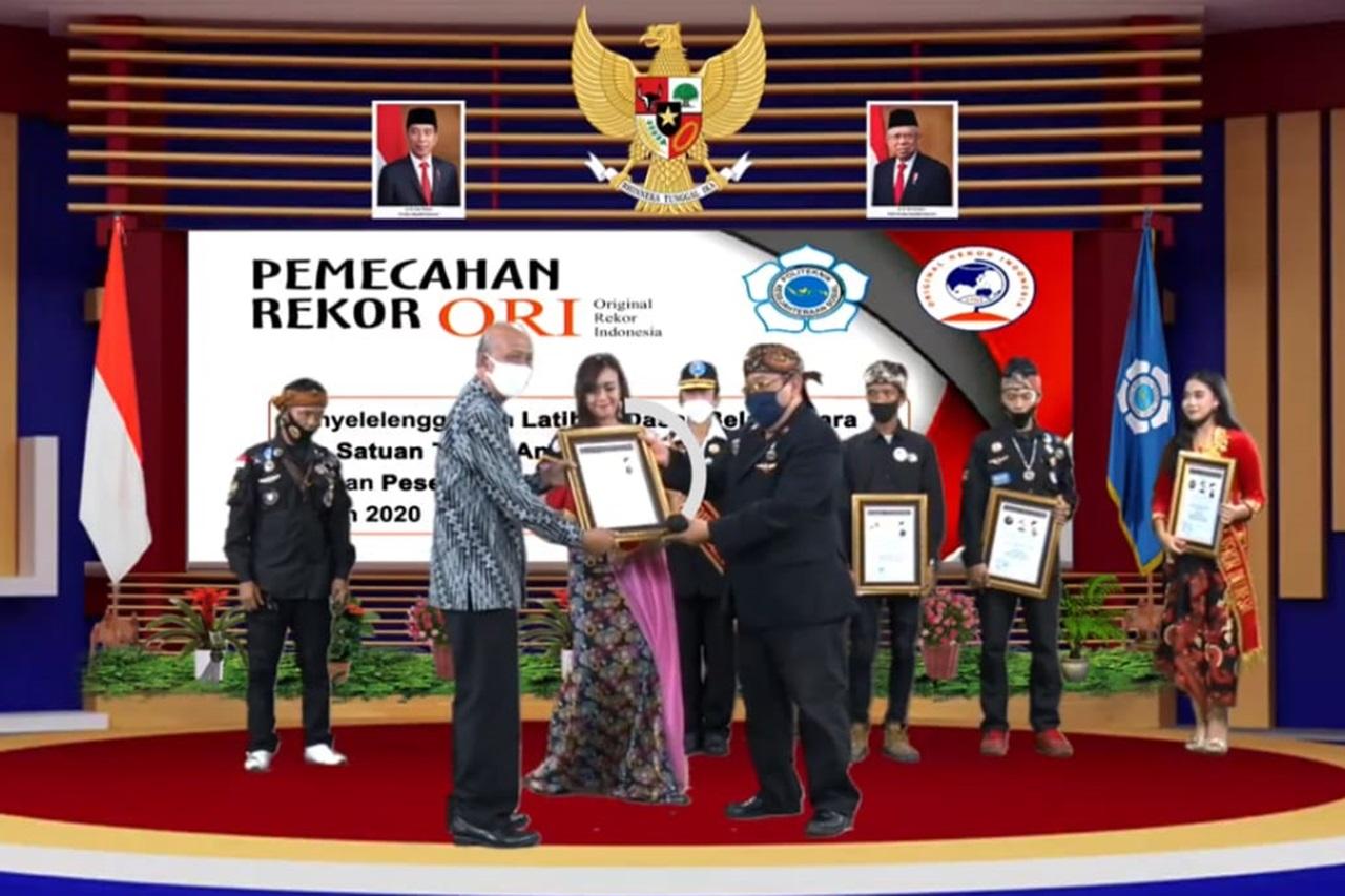 Poltekesos Raih Penghargaan ORI