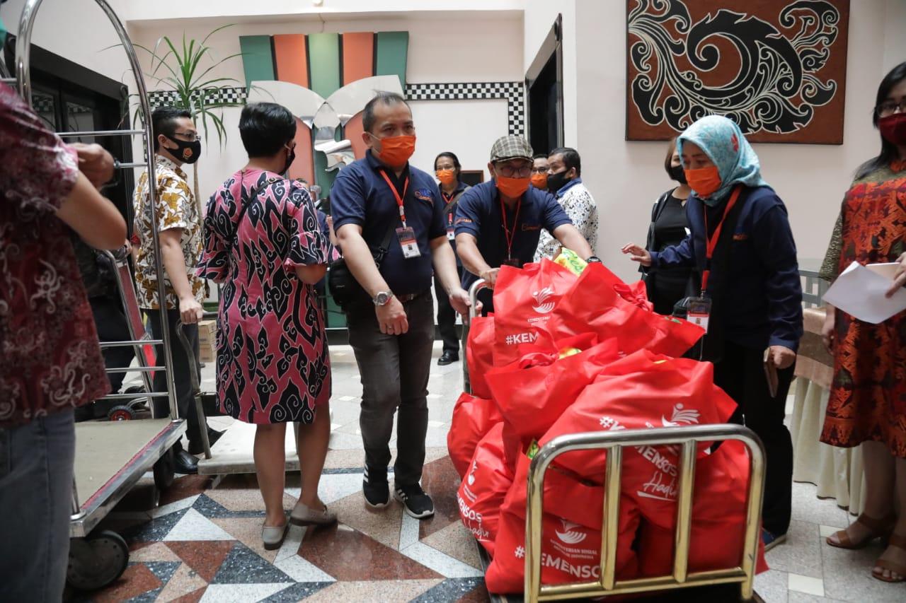 1.078 Karyawan Hotel Terdampak Pandemi di Bandung Terima Sembako