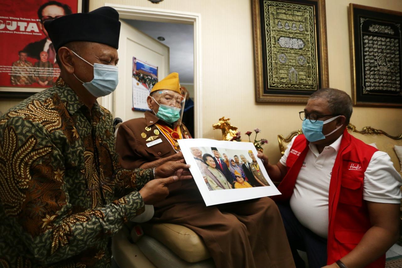 Kemensos Silaturahmi dan Beri Tunjangan Kehormatan bagi Perintis Kemerdekaan