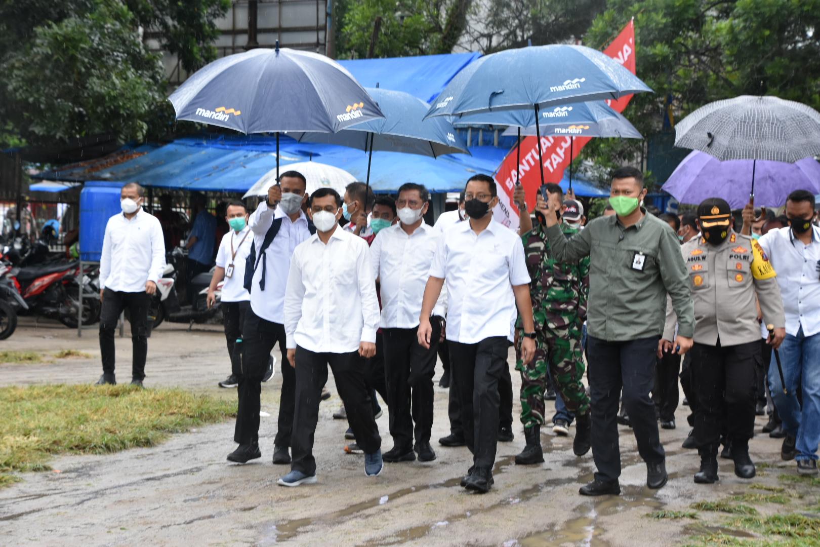 Menteri Sosial: Dengan Bansos, Presiden Harapkan Masyarakat Bisa Hadapi Pandemi