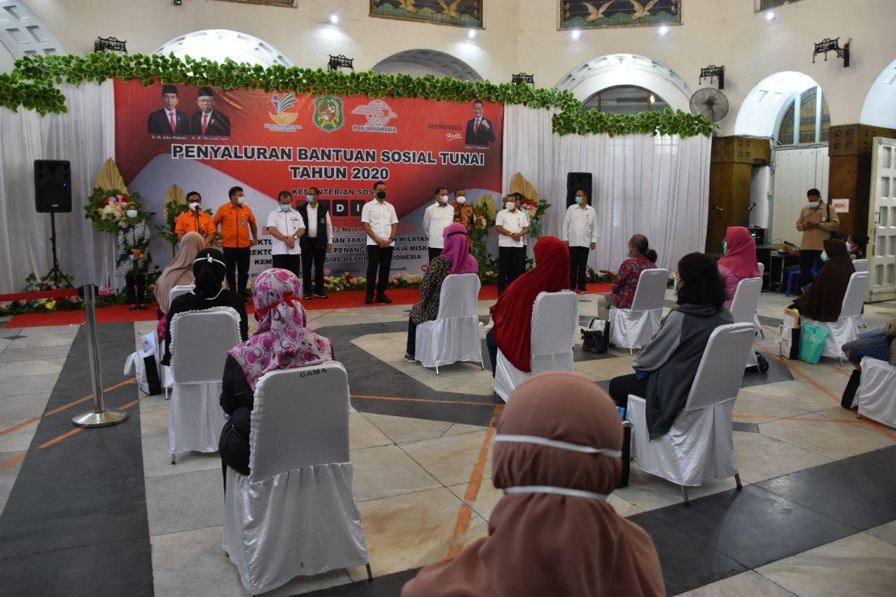 Menteri Sosial Kunjungi Kota Medan, Pastikan BST Diterima KPM Terdampak Covid-19