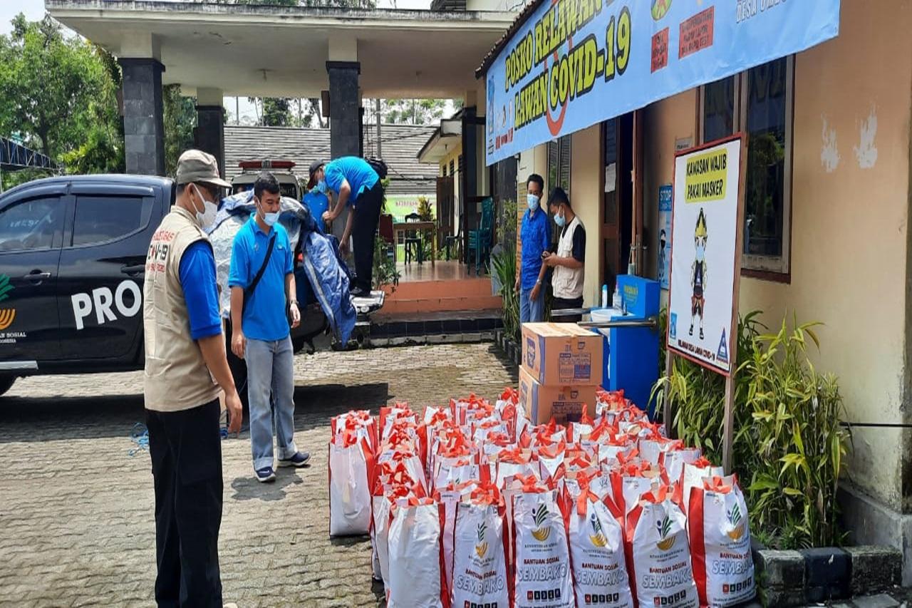 Respon Cepat Erupsi Gunung Merapi, Balai Lansia Budhi Dharma Bekasi Salurkan Kebutuhan Dasar bagi Lansia