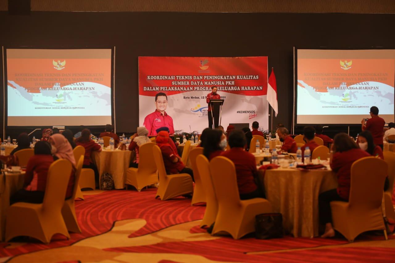 Rakortek di Medan, Mensos Harap Ada Aturan Main Baru dalam PKH