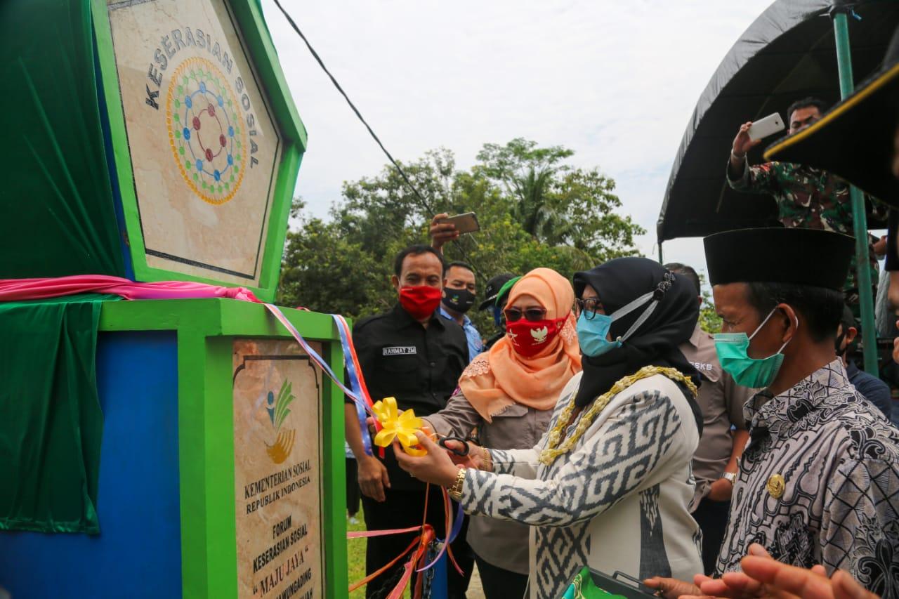 Cegah Konflik Dua Desa di Tasik, Kemensos Bangun Saluran Air