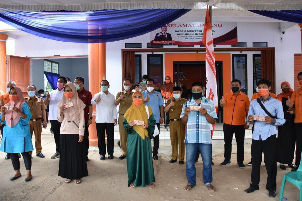 Dirjen PFM Tinjau Penyaluran BST di Lampung Tengah