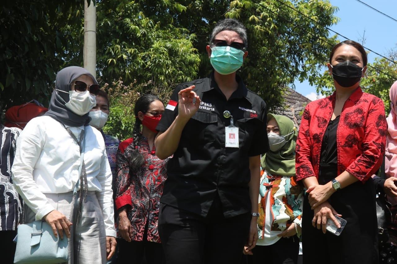 Penasihat DWP Kemensos Kunjungi B2P3KS Yogyakarta