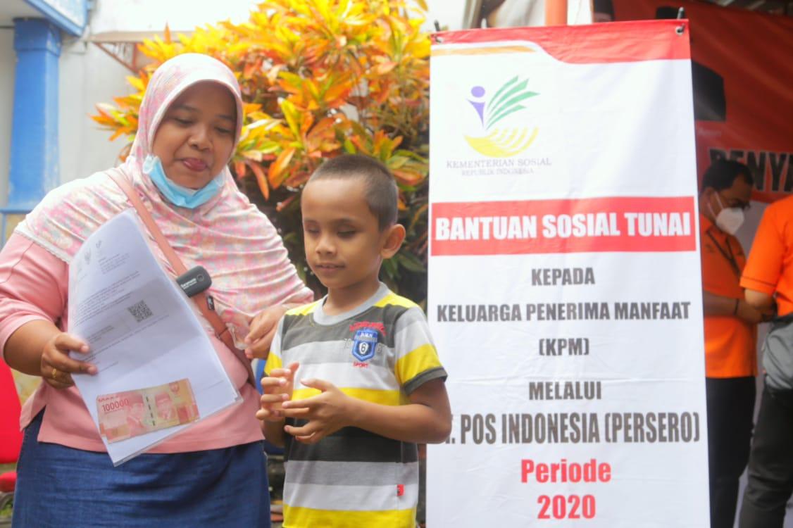 Kemensos Salurkan BST bagi Warga Kabupaten Malang