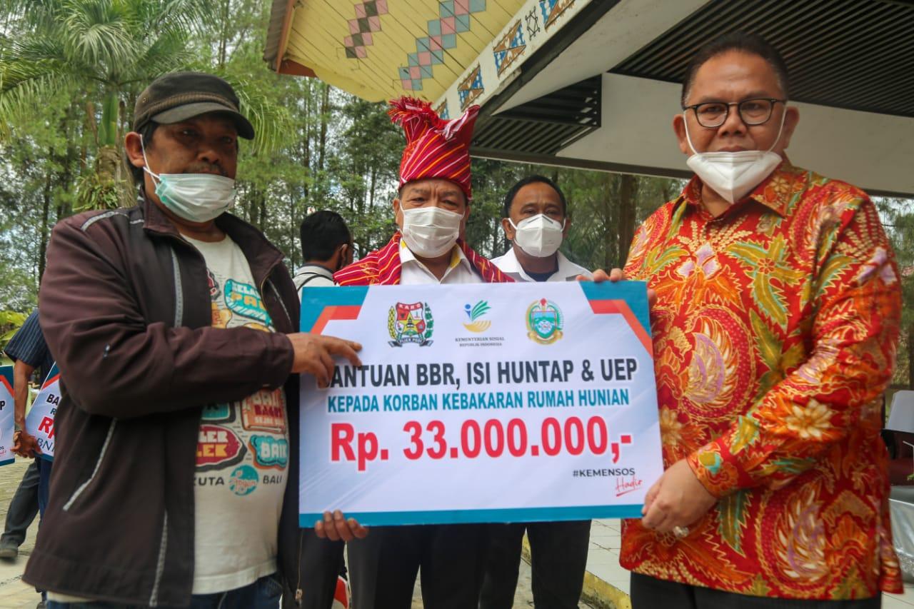 Bantuan Sosial untuk Korban Erupsi Sinabung dan Kebakaran Berastagi