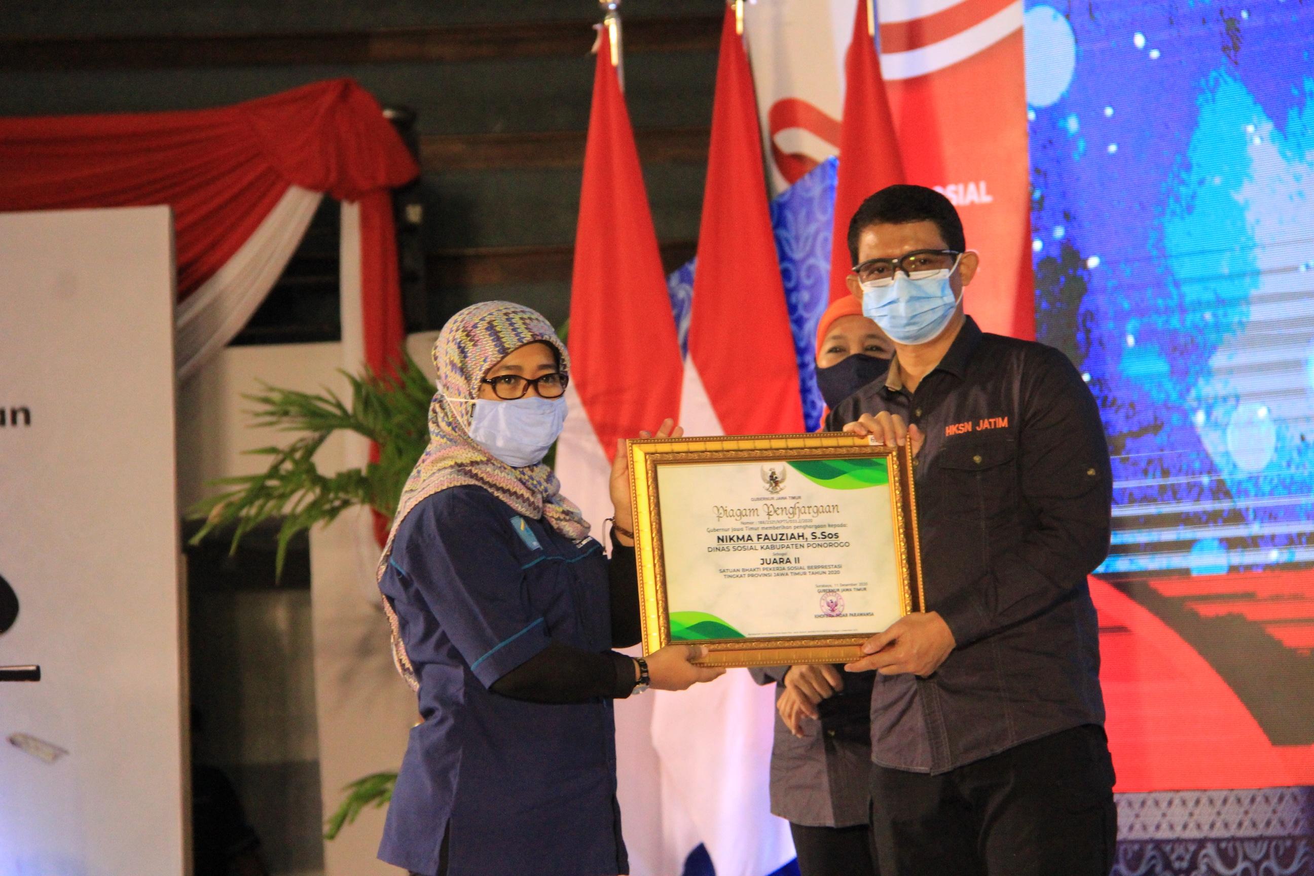 Proud! Sakti Peksos Wins Award at the East Java HKSN Event
