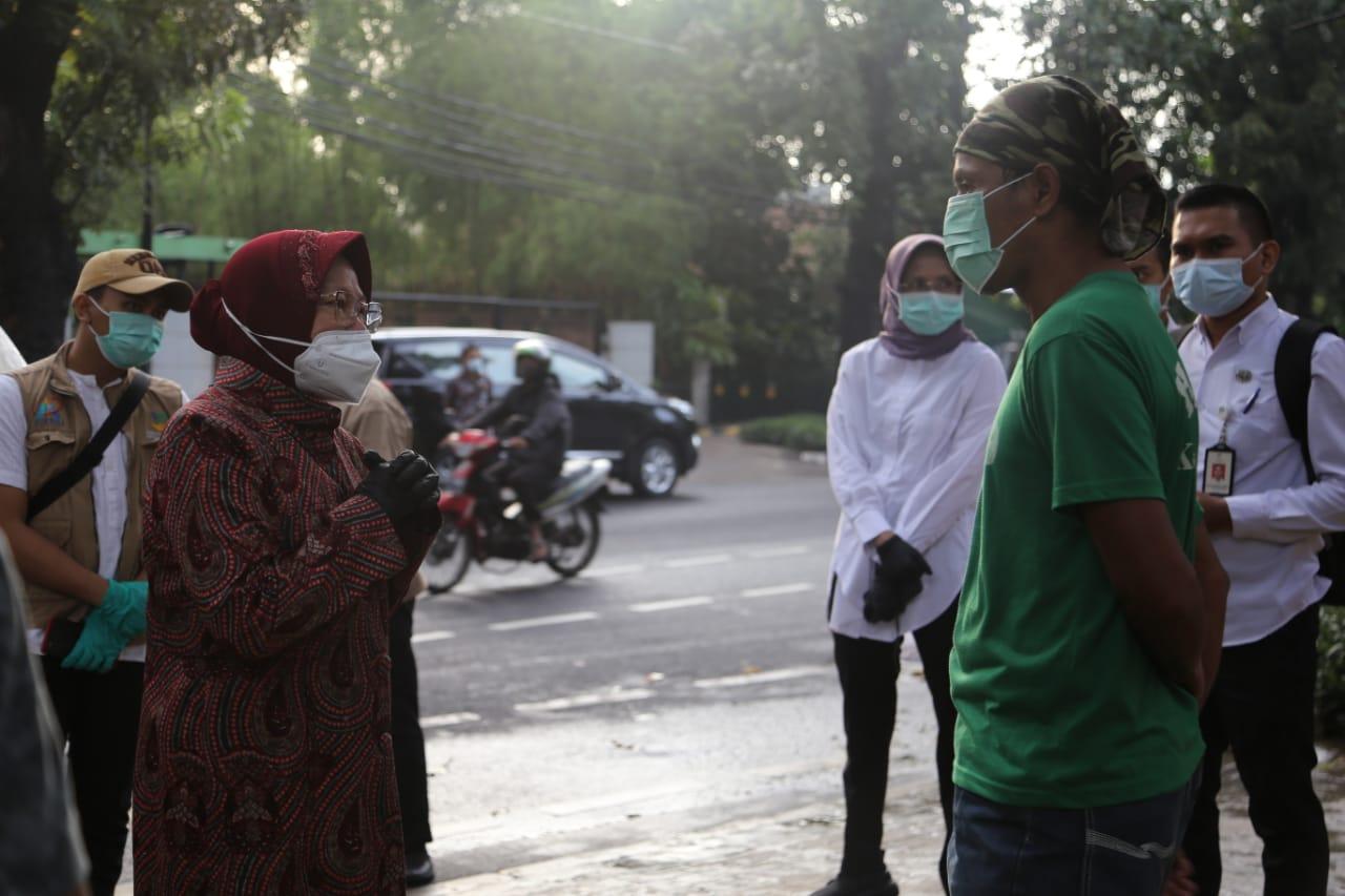 Mensos Risma Berdialog dengan PPKS di Tirtayasa, Jakarta
