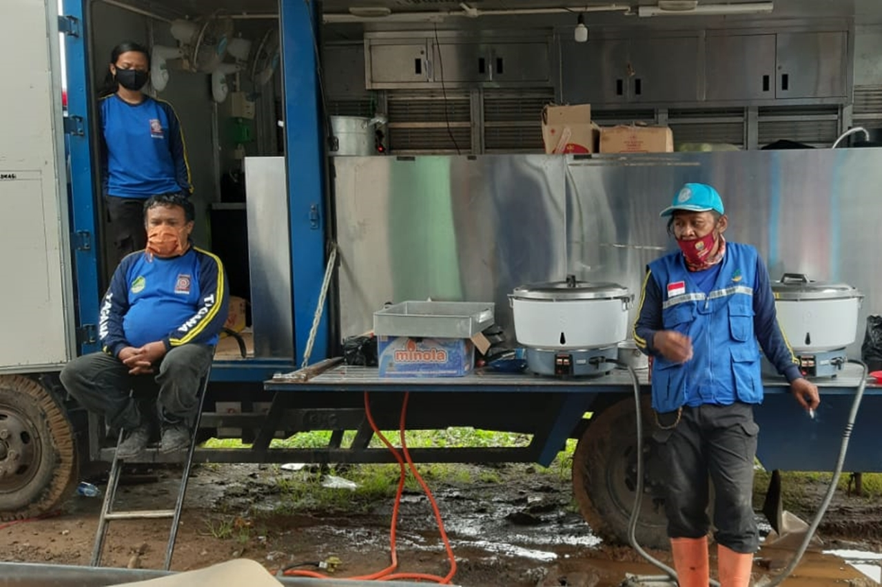 Tagana's Qucik Response at the Landslide Location of Sumedang, Social Minister: We are Establishing a Public Kitchen