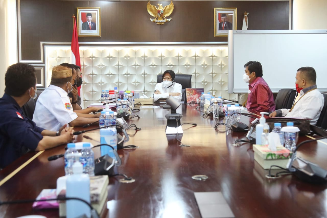 Audience of the Minister of Social Affairs and the Regent of Banggai