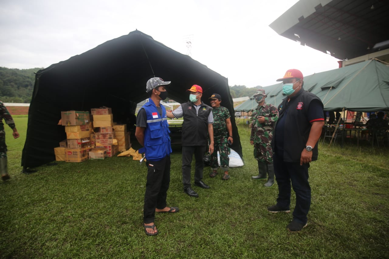 Kemensos Dirikan Tenda 'COVID-19' di Stadion Manakarra Mamuju