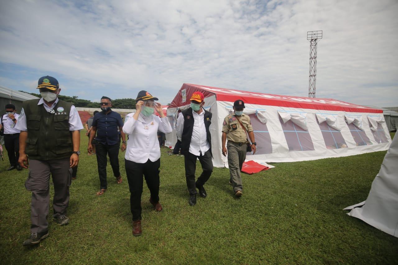 Kepala BMKG Tinjau Pengungsi Gempa Sulbar di Tenda COVID-19