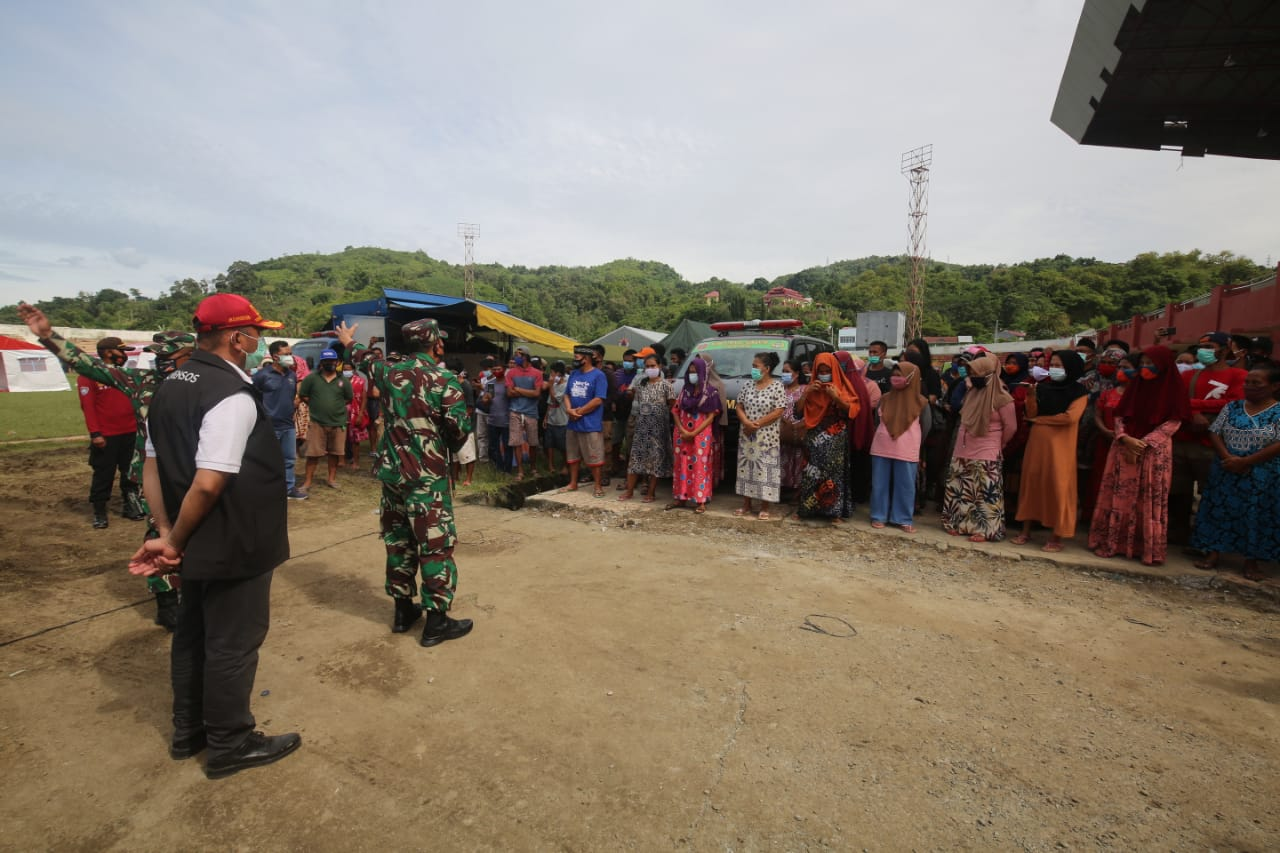Ministry of Social Affairs Ensures that Vulnerable Groups of West Sulawesi Refugees are Served