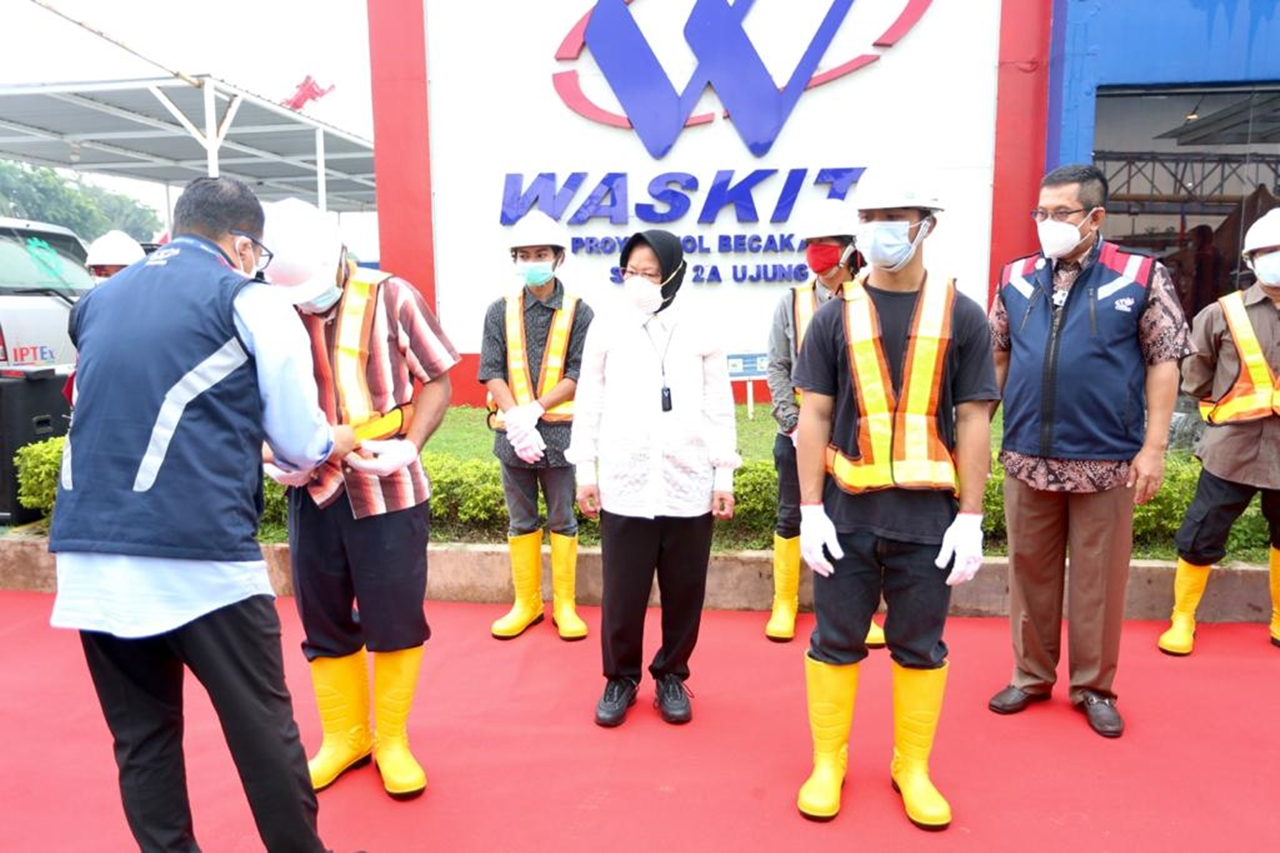 Social Minister Risma Ushers PPKS to Waskita Karya Becakayu Toll Road Project