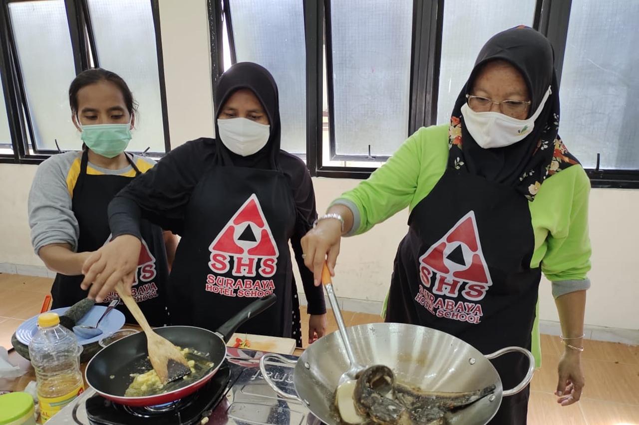 Mensos Siapkan Sentra Produksi dan Kuliner bagi Pemulung