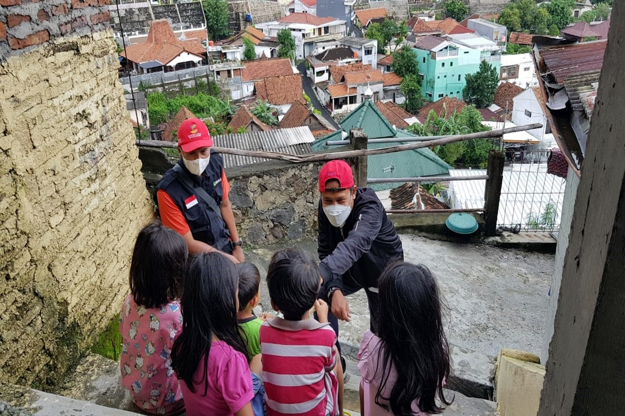 Quick Response of the Ministry of Social Affairs in Accompanying Children Affected by Landslides Semarang