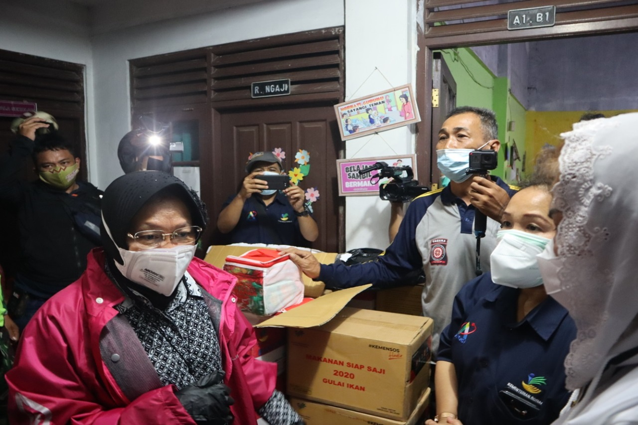 Ministry of Social Affairs Ensures the Needs of Semarang Flood Victims are Served