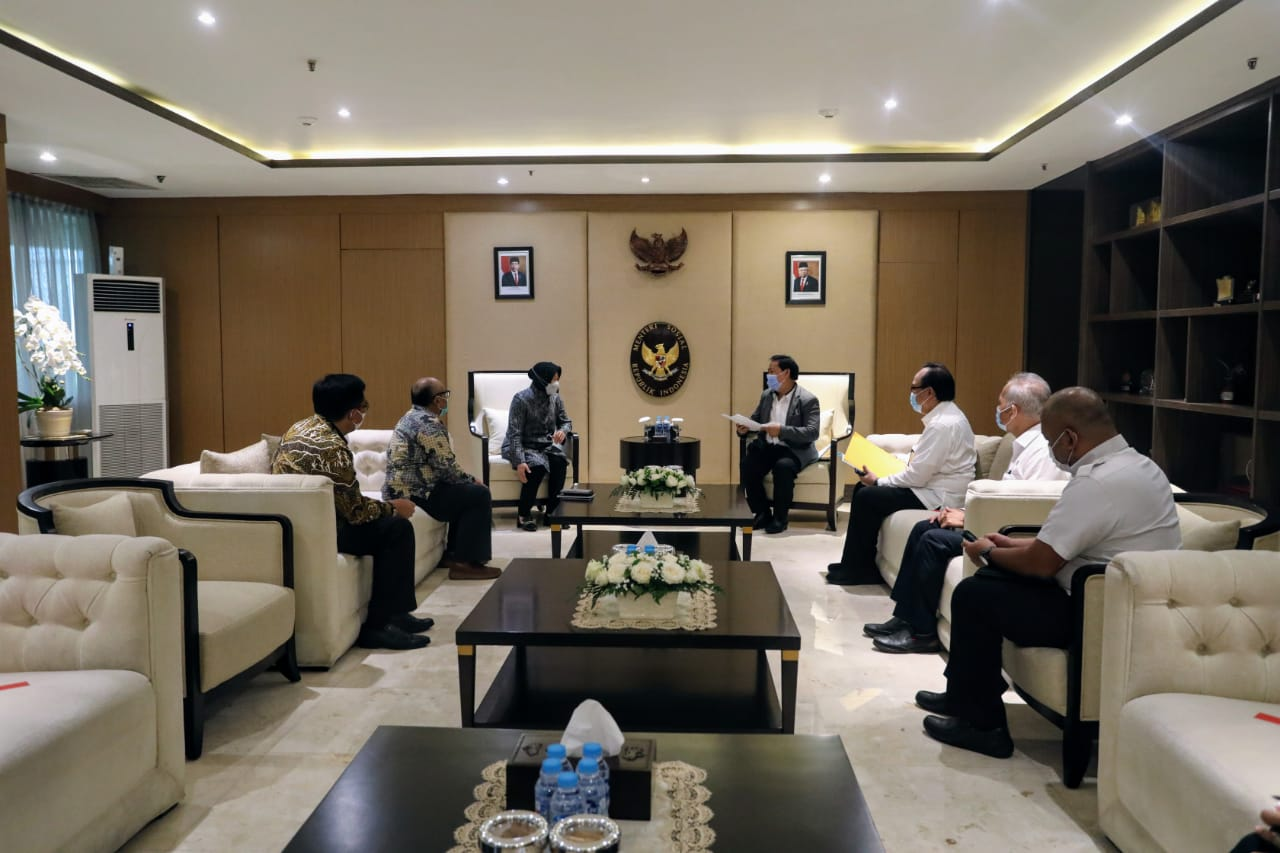 Ministry of Social Affairs and National Library of Indonesia Discuss POCADI