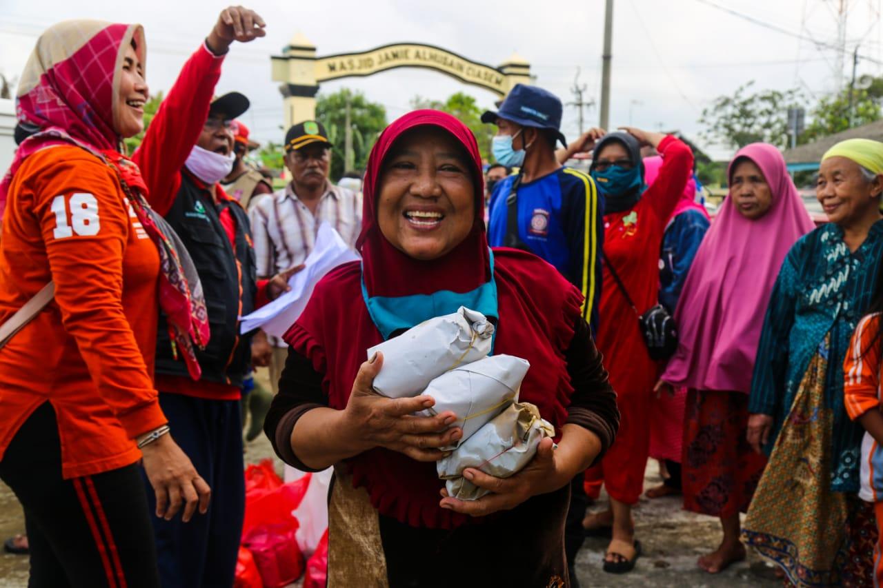 Kemensos Penuhi Kebutuhan Dasar Pengungsi Banjir Subang