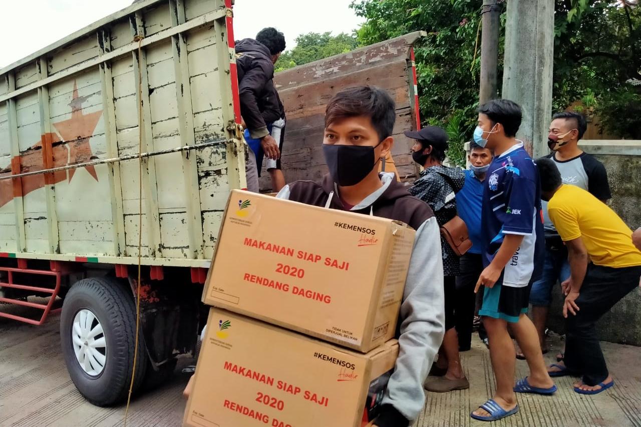 Respon Cepat Kemensos Ingin Pastikan Para Korban Banjir Dapatkan Bantuan Logistik
