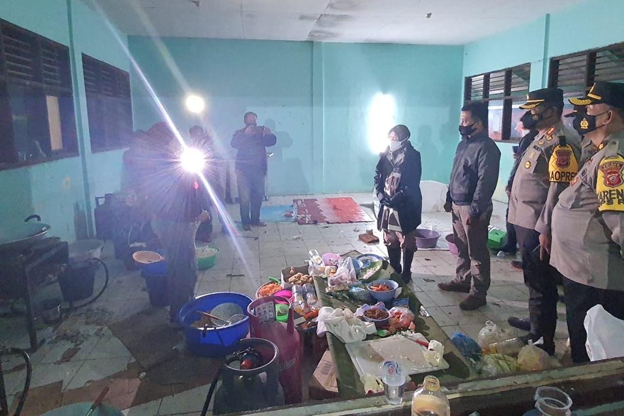 Tinjau Lokasi Bencana di Indramayu, Menteri Sosial Ingin Pastikan Warga Aman dan Kebutuhan Terpenuhi