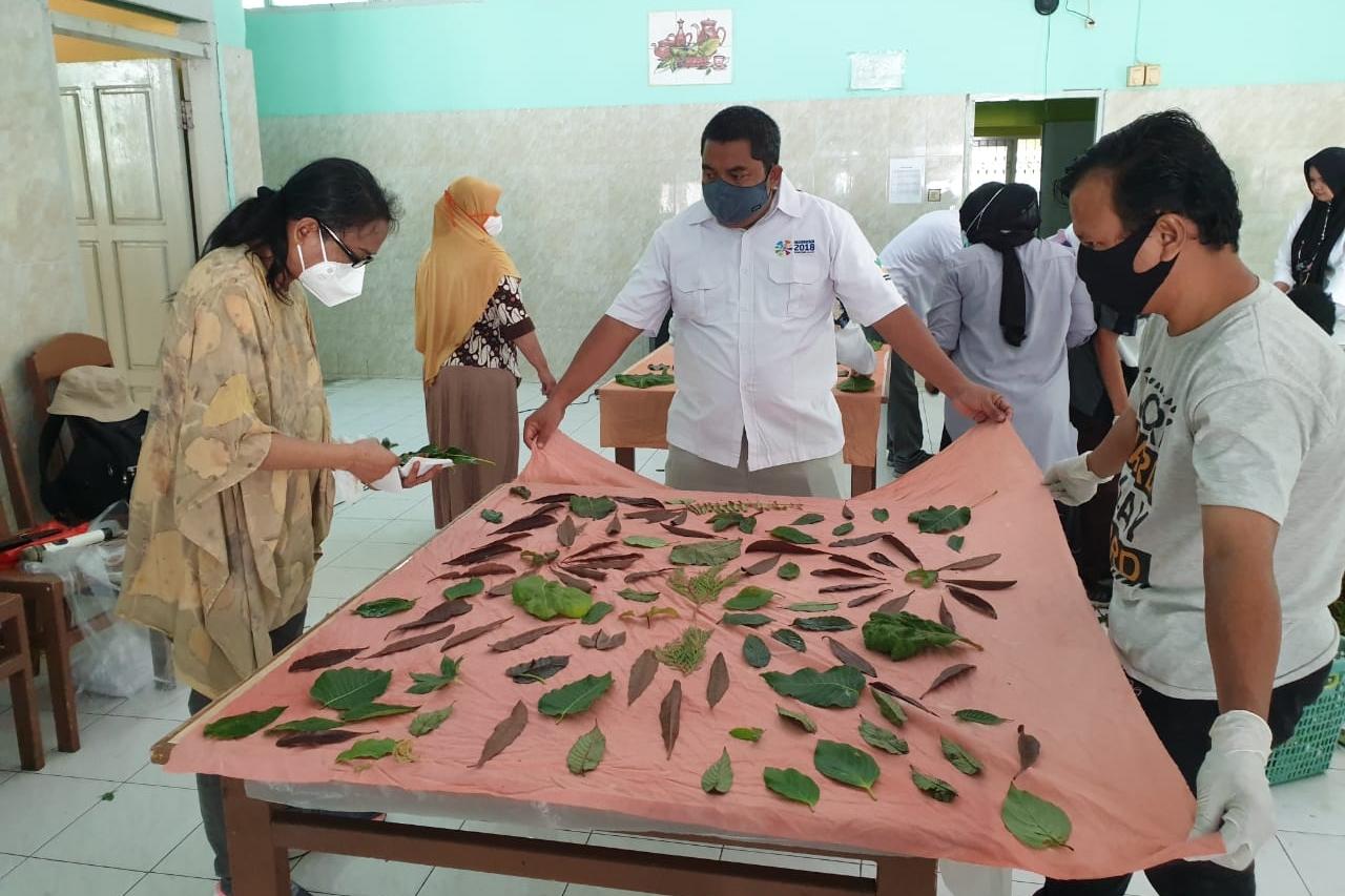 "Tackling Poverty, Balai ""Nipotowe"" Makes Ecoprint as Business Innovation"