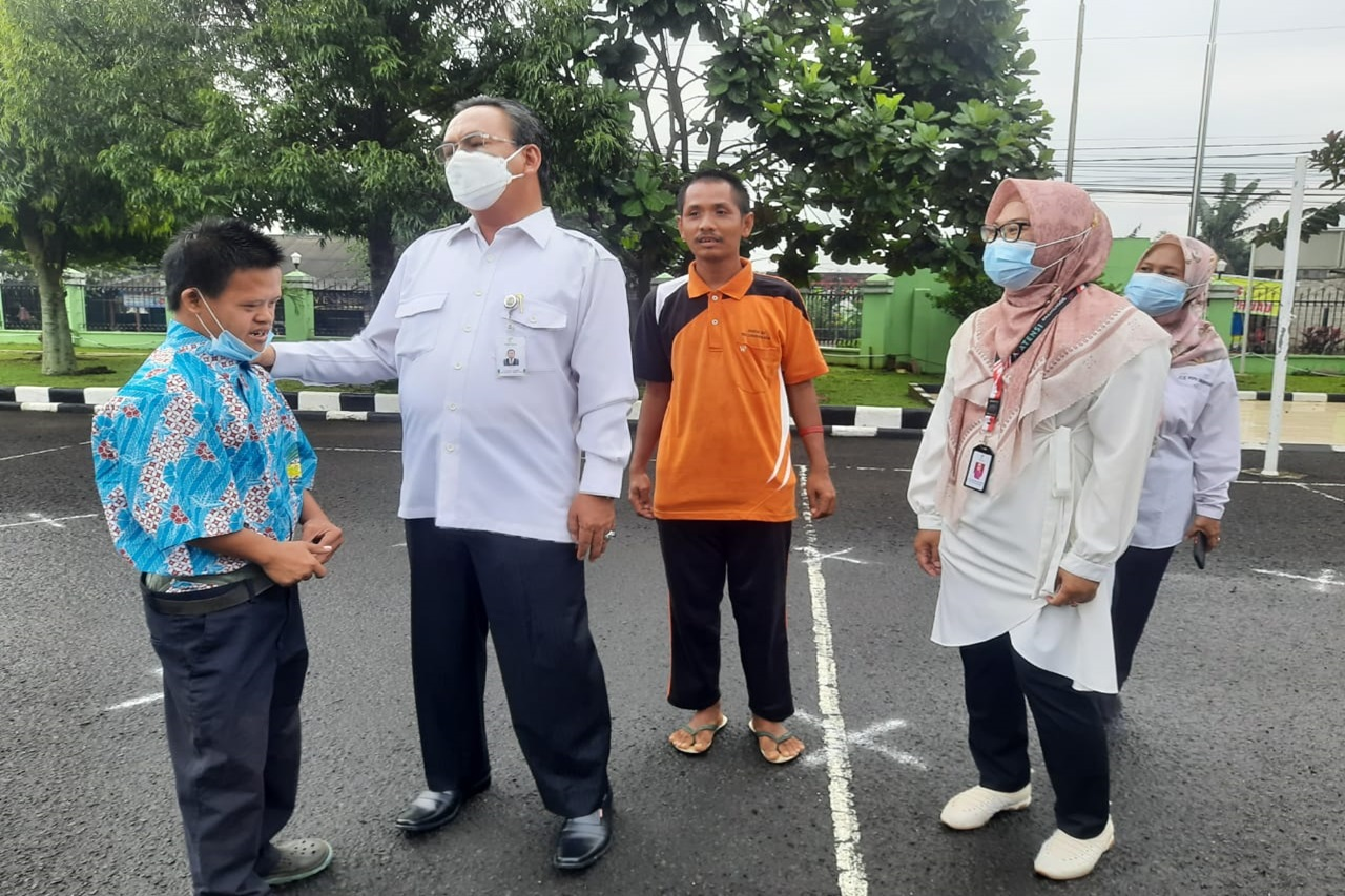 """Dirjen Rehsos Tinjau Kesiapan Sentra Kreasi ATENSI di Balai Disabilitas """"Ciungwanara"""""""