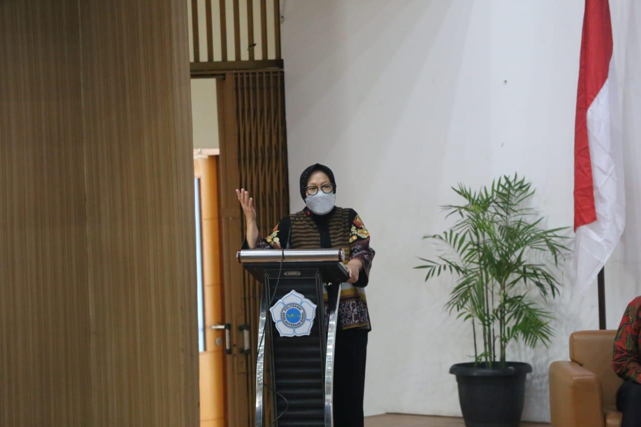 Kuliah Umum Menteri Sosial RI di Poltekesos Bandung