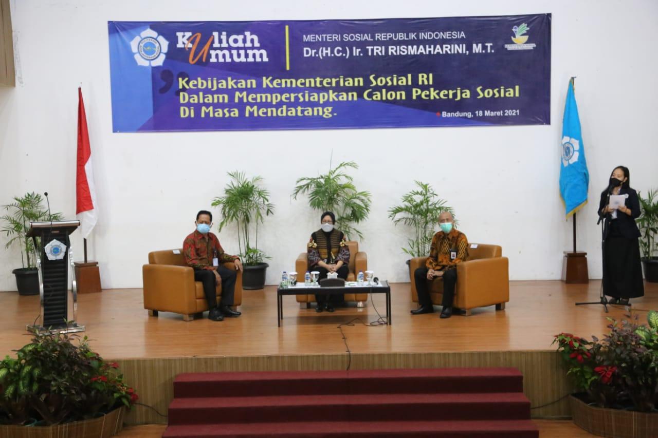 Jadi Pembicara Kuliah Umum di Poltekesos, Mensos: Ada Tiga Strategi Hasilkan SDM Profesional Pekerjaan Sosial
