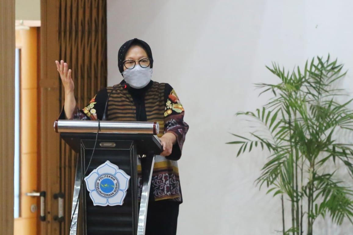 Jawab Tantangan Era Disrupsi,  Mensos Minta Civitas Academica Poltekesos Bandung Berani Tinggalkan Zona Nyaman