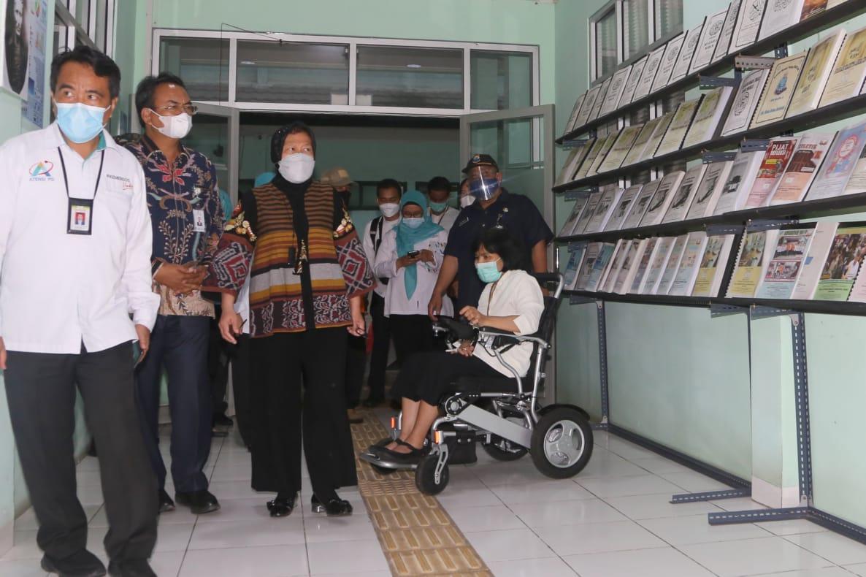 Kunjungi 3 UPT di Bandung, Mensos Cek Kesiapan Layanan dan Tekankan Pentingnya Penerima Manfaat Mandiri Secara Ekonomi