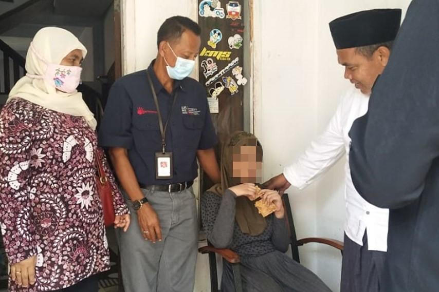 "Usai Dipasung Tujuh Tahun, ""R"" Dievakuasi Balai ""Phala Martha"" Sukabumi"
