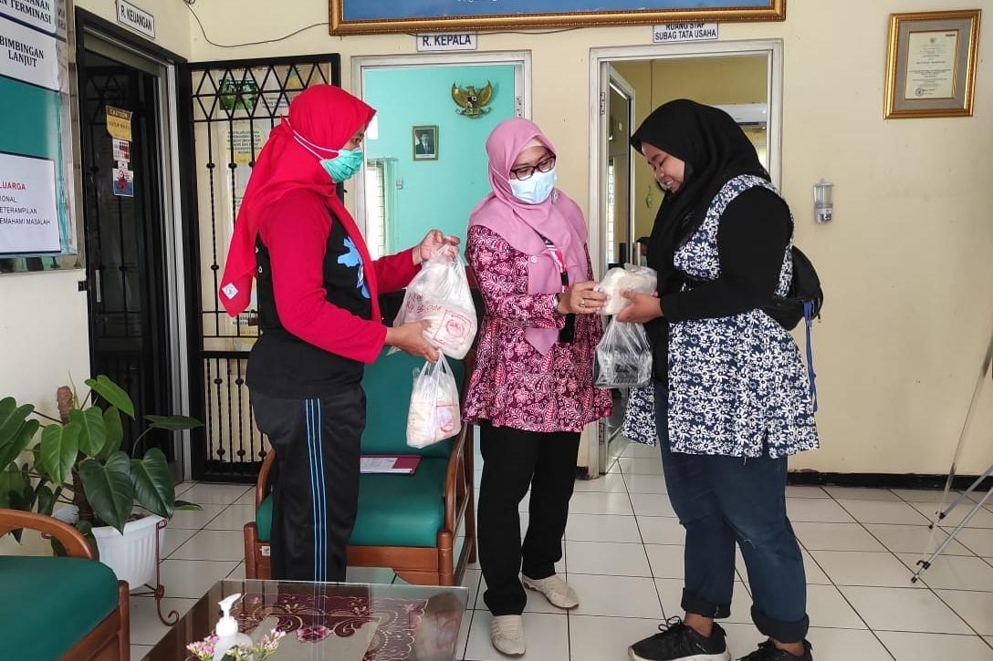 """Berdayakan Hasil Produksi Eks Penerima Manfaat, Balai Disabilitas """"Ciungwanara"""" Gelar Promosi"""