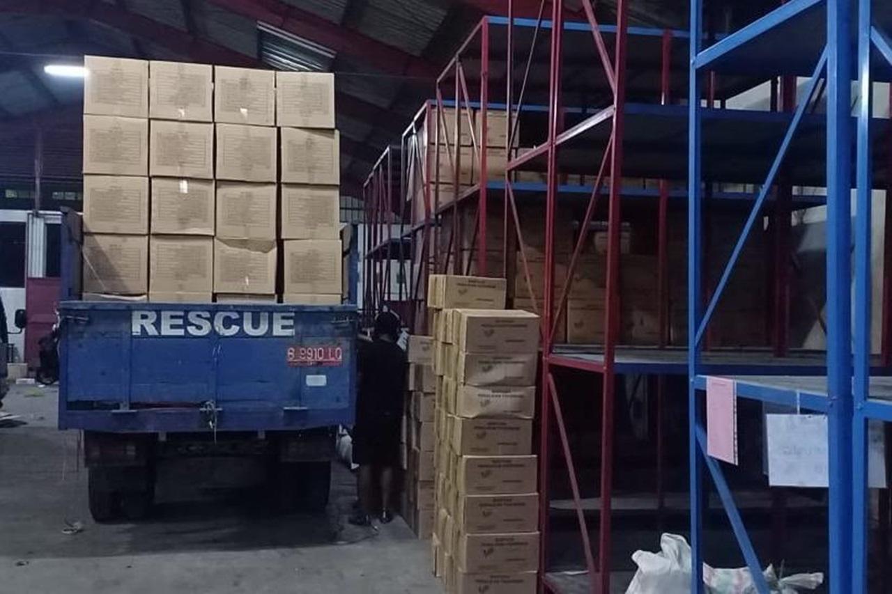 Pastikan Kebutuhan Dasar Korban Bencana di Flores Timur dan Lembata, Kemensos Salurkan Bantuan Logistik Rp1,2 Miliar