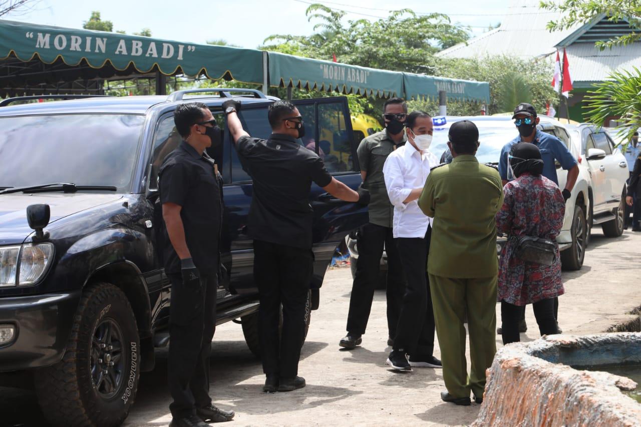 Dampingi Presiden, Mensos Kunjungi Posko Tanggap Bencana di Lembata
