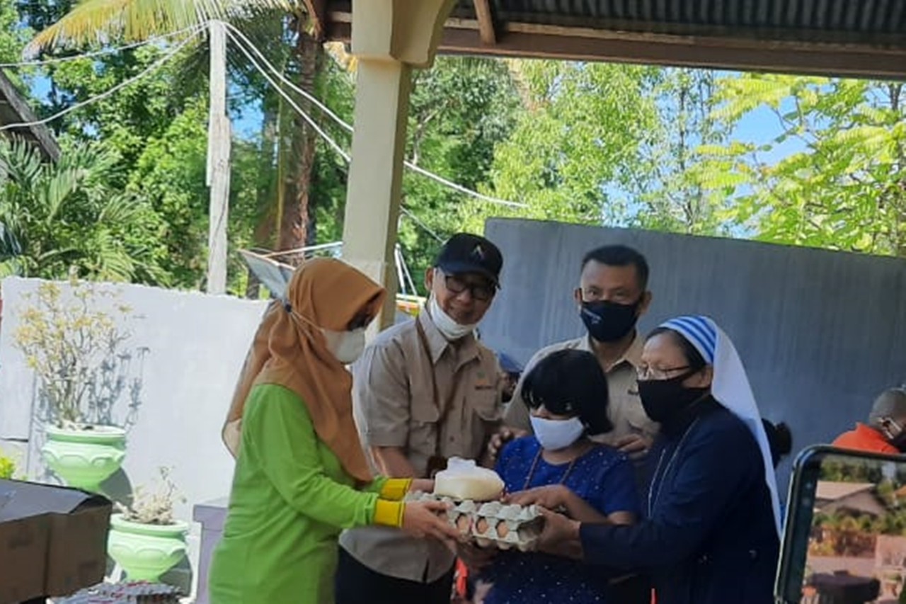 Ministry of Social Affairs Provides LDP for Persons with Disabilities Affected by the Flash Flood Disaster in East Sumba