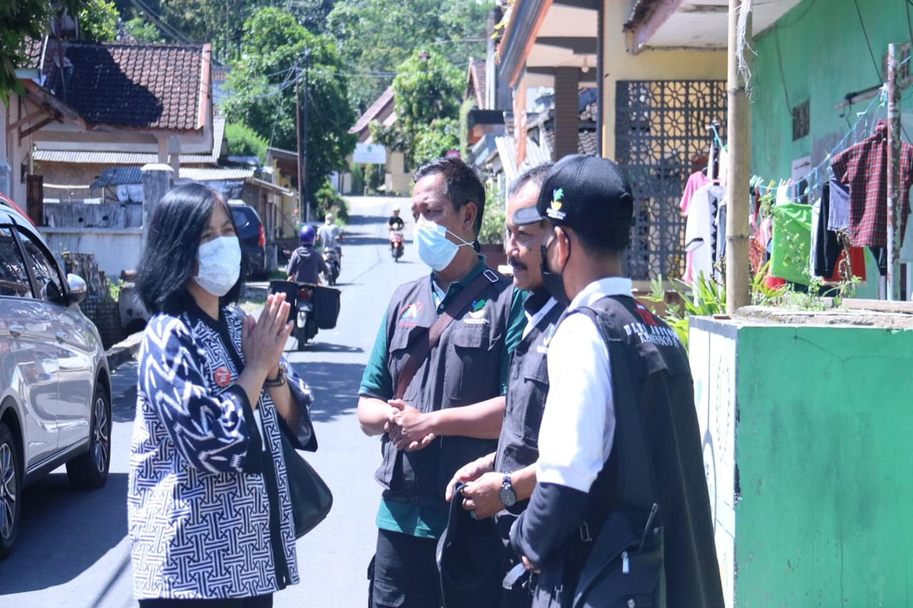 Ministry of Social Affairs Provides Assistance for Earthquake Survivors in Malang Regency