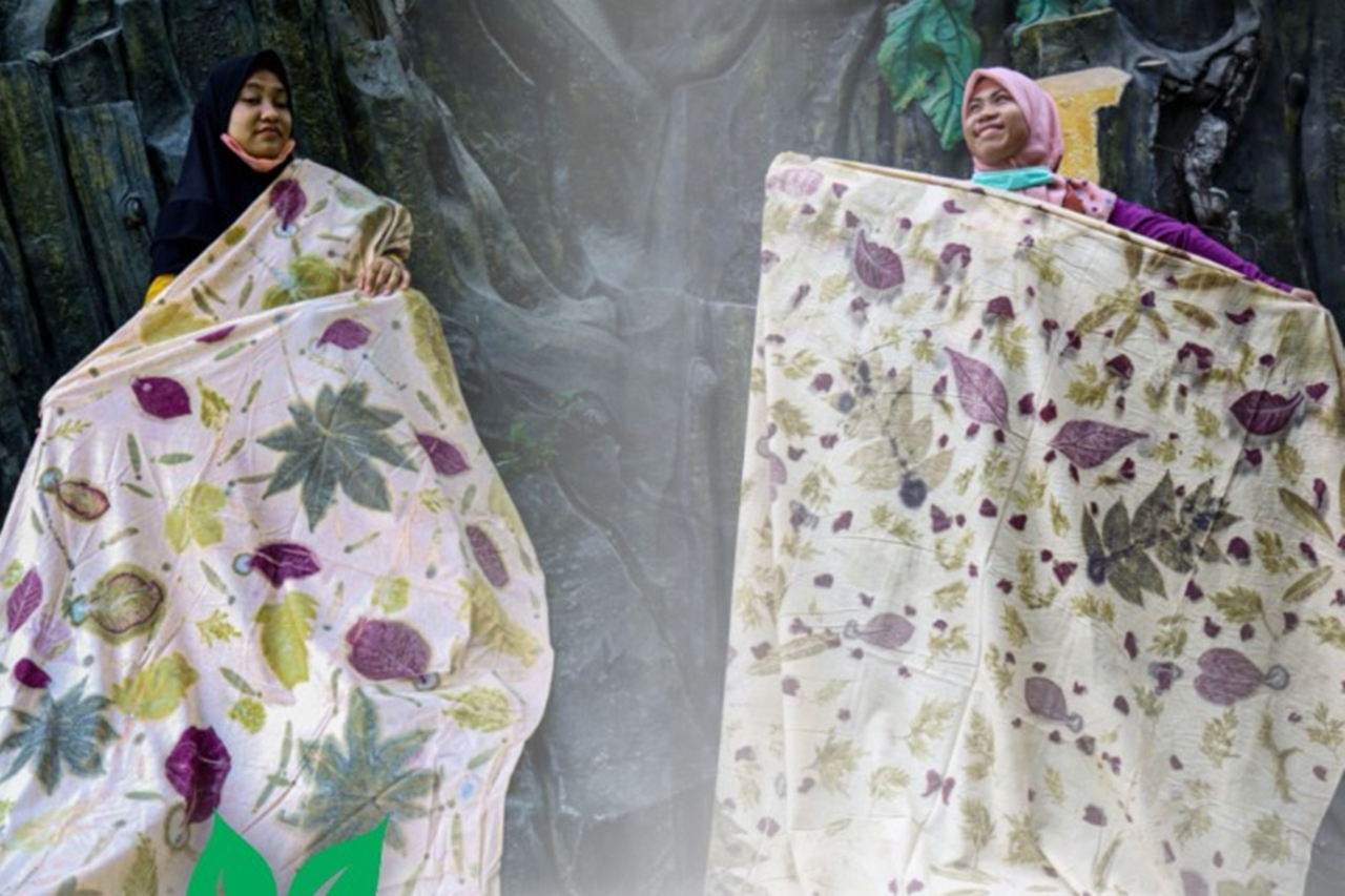 """Unexpectedly, Two Months Fostered at Balai, Intellectual Disabilities Can """"Eco Printing"""""""