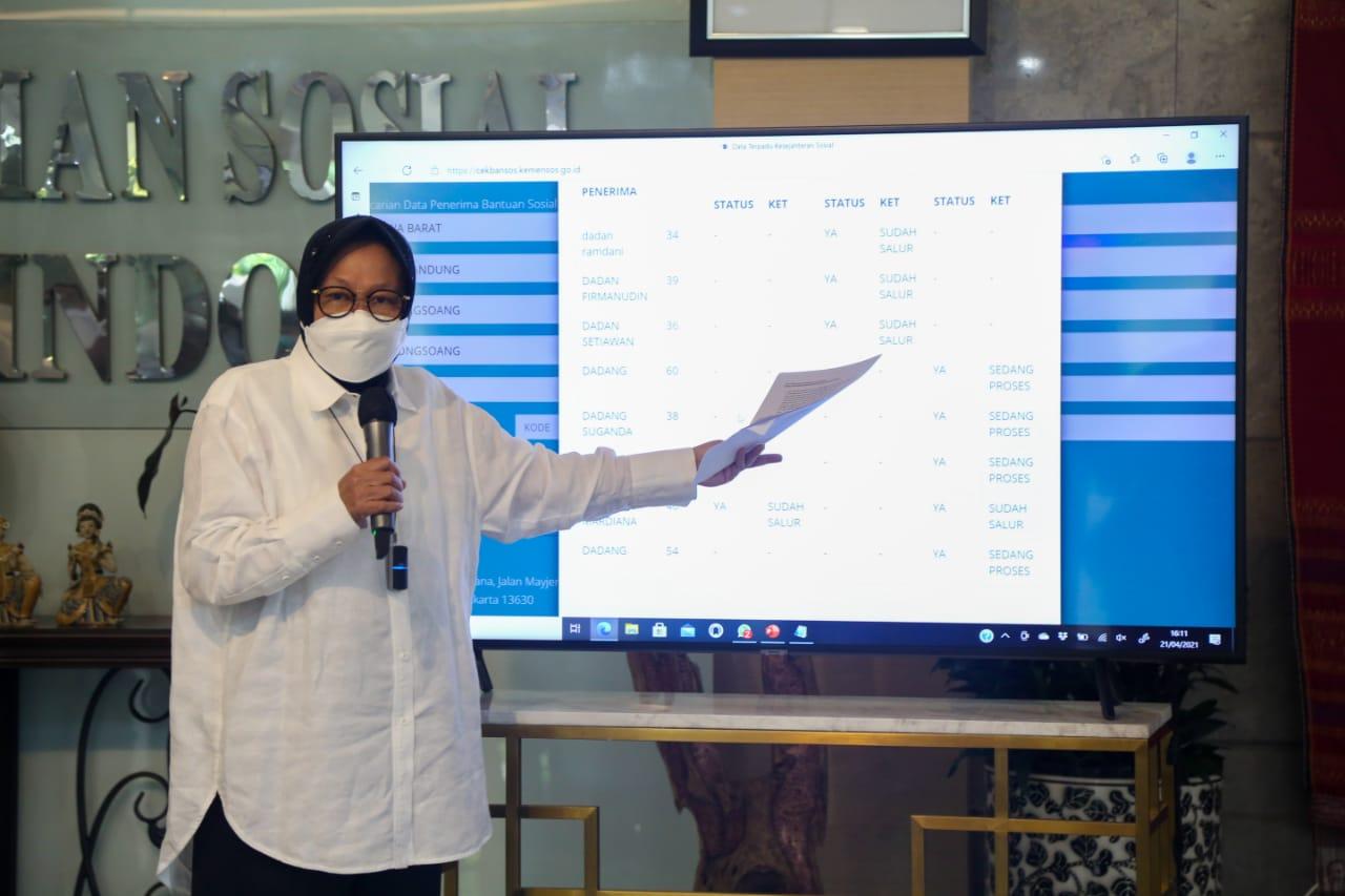 Konferensi Pers Terkait Transparansi Data Bantuan Sosial