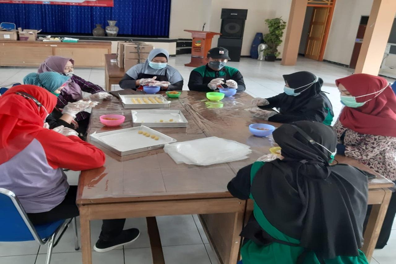 """Jelang Momen Perayaan Lebaran, Kartini """"Cookies"""" Genjot Produksi Kue Kering"""