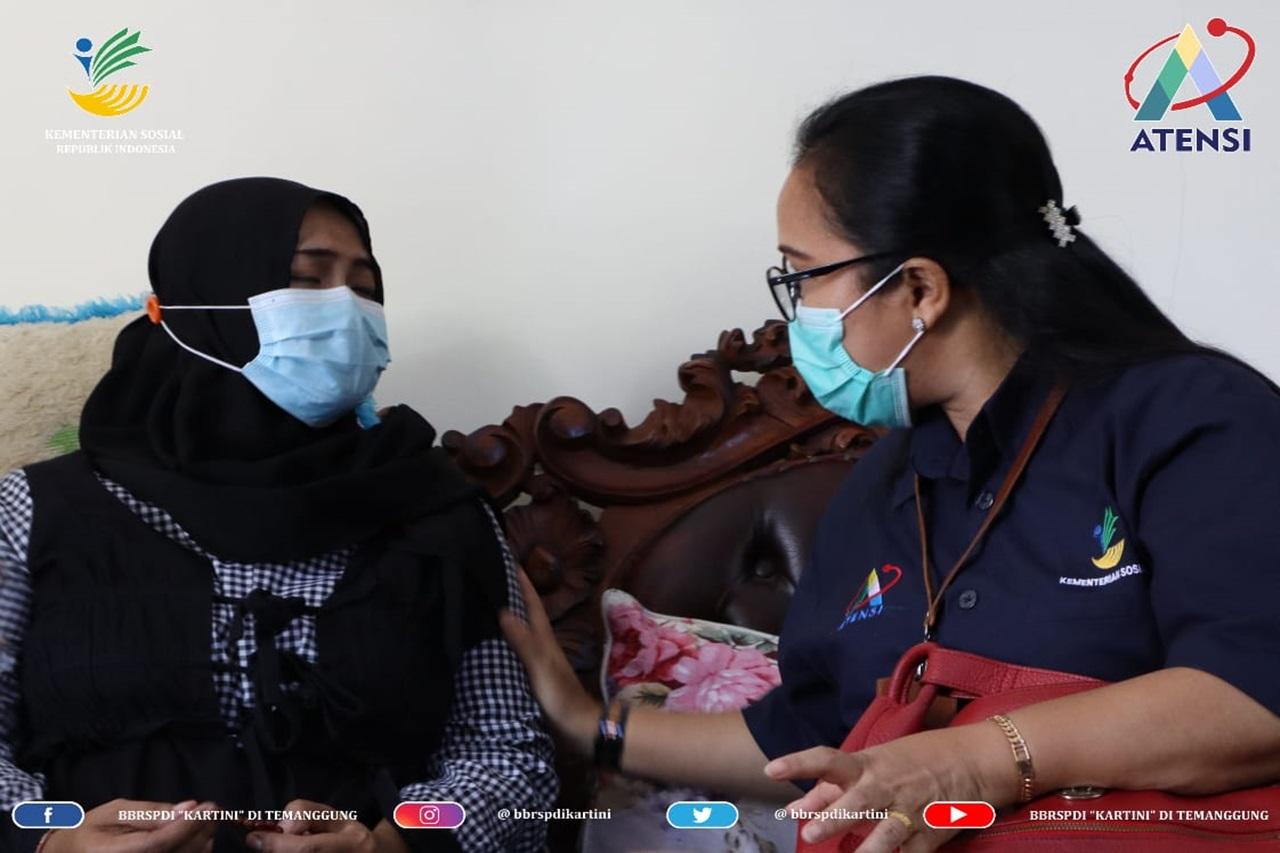 Dukungan Psikososial kepada Keluarga Korban KRI Nanggala 402 di Sidoarjo