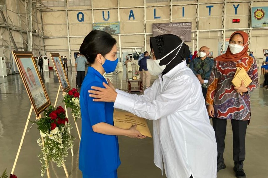 Presiden Joko Widodo Didampingi Mensos Temui Keluarga Prajurit KRI Nanggala 402