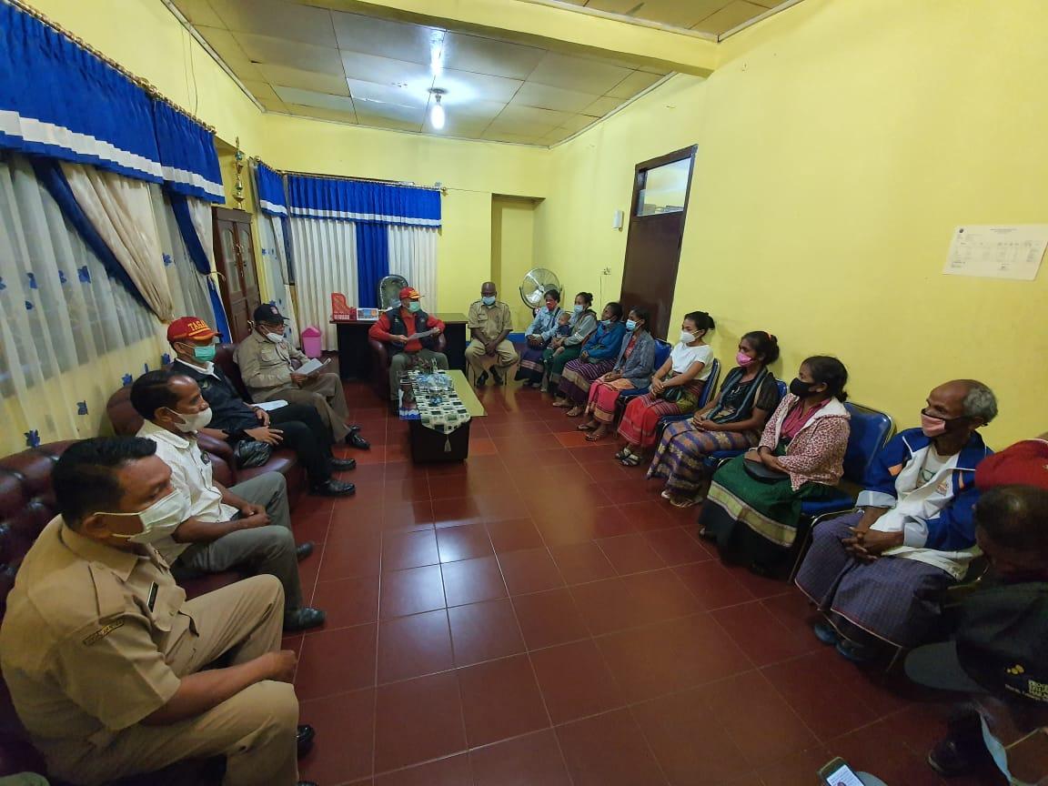 Penyerahan Santunan Ahli Waris bagi Keluarga Korban Banjir Bandang di Malaka