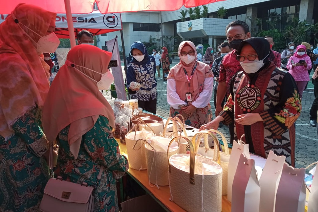 Ramaikan Bazar Ramadhan Kemensos, Balai Disabilitas Ciungwanara Sabet Penghargaan Mensos