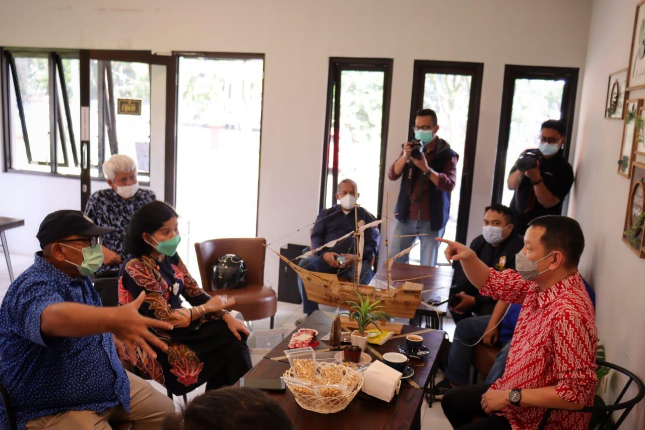 Cafe More Wyata Guna, Tempat Asik Diskusi Bahas Sinergi Program Pemberdayaan Karang Taruna Jawa Barat