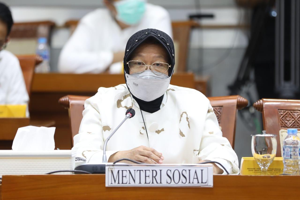 Mensos Ungkapkan Usahanya Salurkan Bantuan Bencana Kabupaten Alor